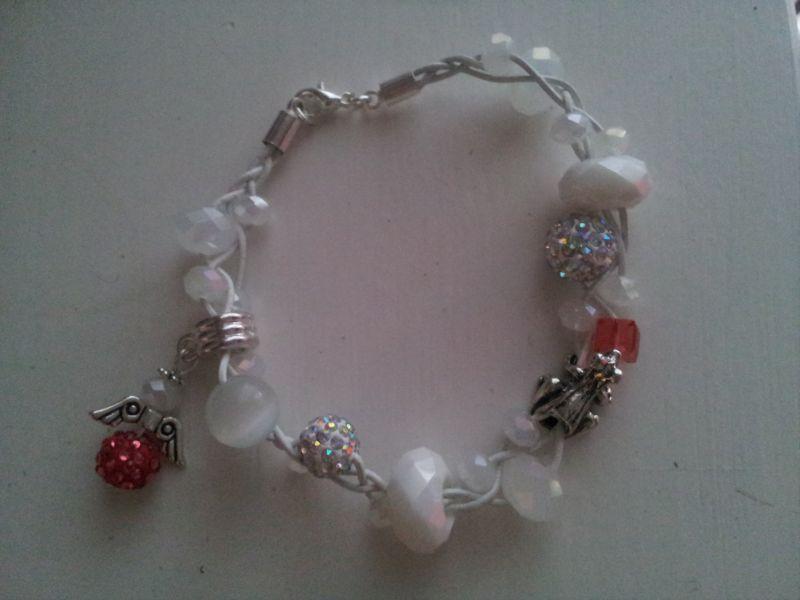 vitt armband charms crystals