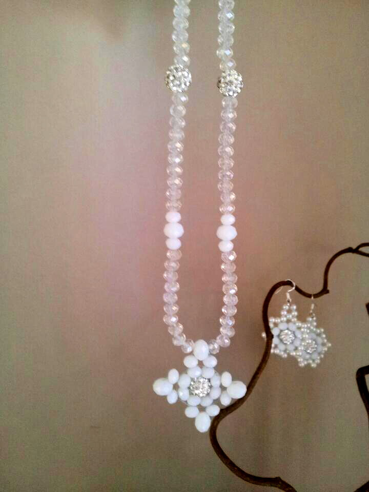White flake necklace